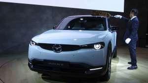 东京车展马自达发布全新CX-30以及首款新能源车型