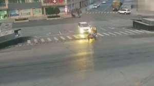 为了自身安全,一定要遵守交通规则