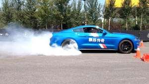 豪仔的快乐生活之感受福特Mustang美式漂移,能起飞吗