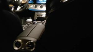 奔驰AMG E53内饰实拍:只要速度不要空间,是AMG的态度