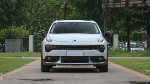 高性能SUV代表作,轴距2702毫米,配2.0T 6AT,比合资车更值