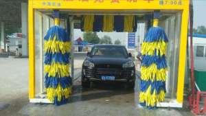 加油站的免费全自动洗车机能用吗?会不会刮伤车漆?搞明白了