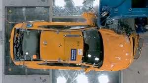 看看沃尔沃S90和V90的碰撞测试,最安全的汽车品牌果然名不虚传!