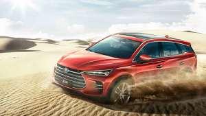 中型SUV选哪款好?比亚迪唐燃油版科技感浓烈,比混动版便宜几万