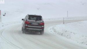 雪地穿越!奔驰GL500高山雪地狂飙