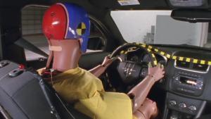 2012款道奇Avenger 正面25%碰撞测试