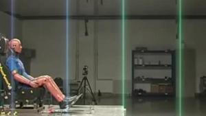 中华H230 C-NCAP安全测试座椅鞭打碰撞