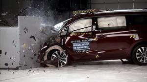 2015款起亚Sedona IIHS正面25%碰撞测试