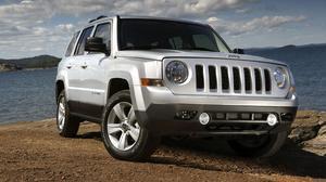 进口Jeep自由客 泥地路况应对自如