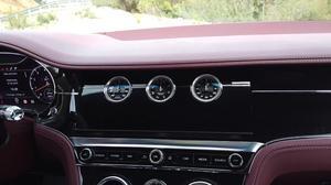 宾利欧陆GT敞篷版三面翻转中控面板