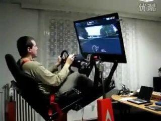 专业赛车很简单 在家里也能玩真实的F1