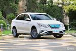 开着省心配置丰富 风行S50 EV现金优惠高达3.08万