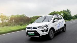 試駕北汽EX360,國民純電動SUV最高續航達到398公里