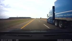 """带你体验""""第一视角""""特斯拉Model S的自动驾驶"""