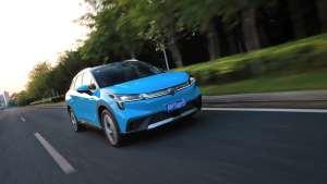这台纯电SUV比特斯拉更豪华,比百万豪车更科技