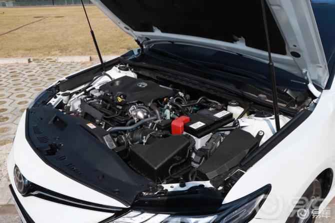 新买的凯美瑞,感觉发动机噪音有点儿大,这正常吗?